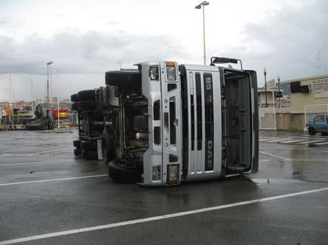 camion sur le quai laubeuf